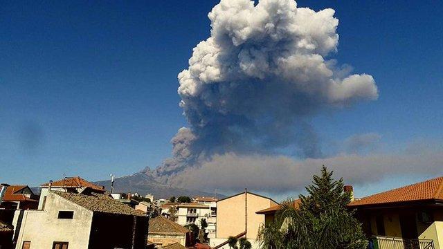 В Італії почалося виверження вулкана Етна