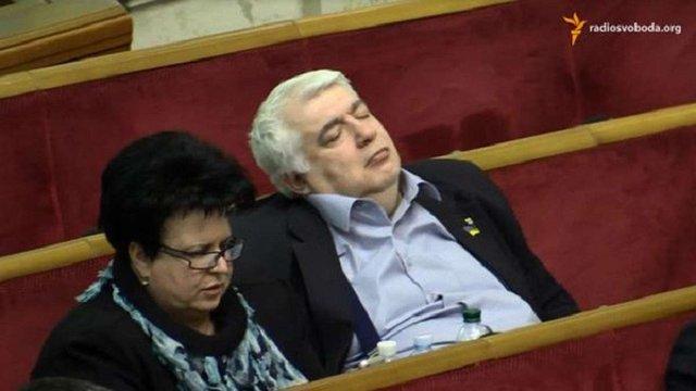 252 депутати пропустили половину засідань Верховної Ради у грудні