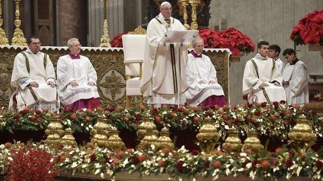 У різдвяній проповіді Папа Римський засудив людську «ненаситну жадобу»