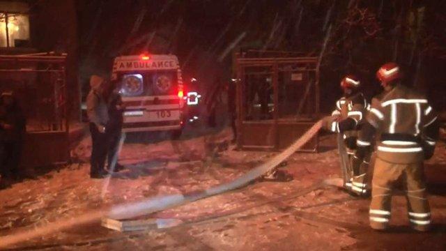 У Львові пожежники врятували з палаючого будинку чоловіка