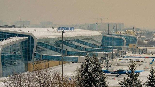 Через погодні умови у львівському аеропорту скасували кілька авіарейсів