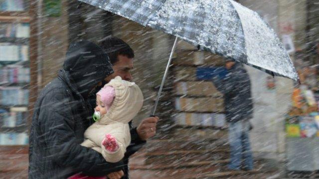 Найближчі дні на заході України будуть з теплом, дощем і мокрим снігом
