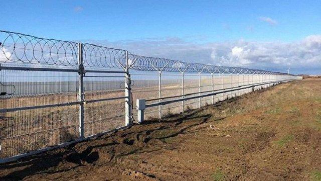 Росія збудувала 60-кілометрову загорожу на межі Криму з Україною