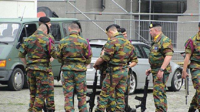 Бельгія заборонила військовим користуватися смартфонами через російське шпигунство