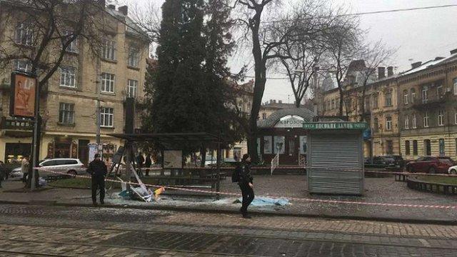Винуватцем смертельної ДТП на трамвайній зупинці у Львові виявився поліцейський