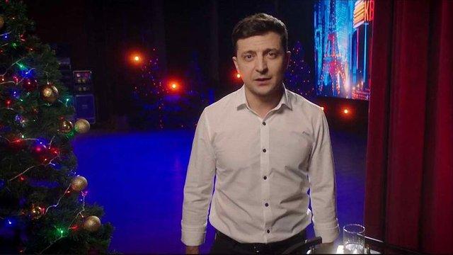 Замість привітання президента «1+1» показав заяву Зеленського про участь у виборах