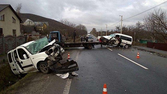 Унаслідок аварії на трасі Львів–Тернопіль постраждали семеро людей