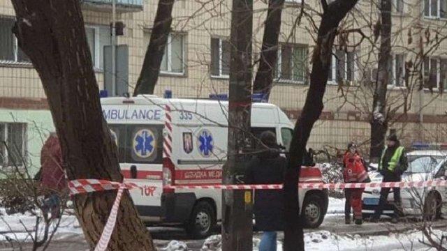 У Києві 34-річний чоловік вистрибнув із вікна дев'ятого поверху