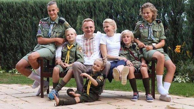 Садовий назвав нісенітницею чутки про переїзд своєї родини до Києва