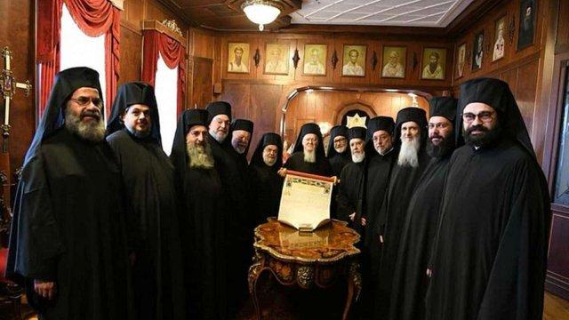 Томос про автокефалію Православної церкви повернули до України