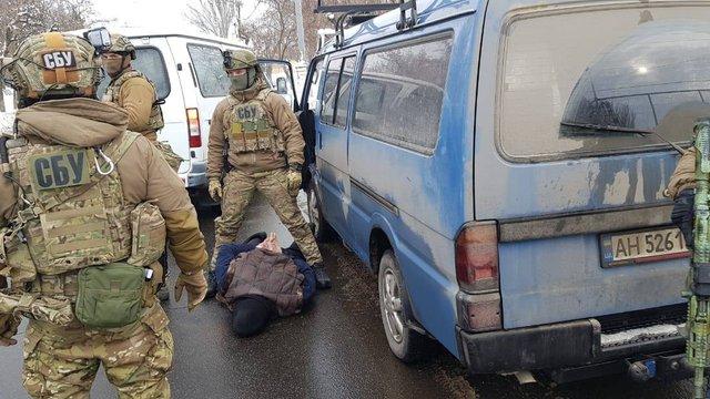 На Донбасі затримали чоловіка, який готував теракти під час президентських виборів