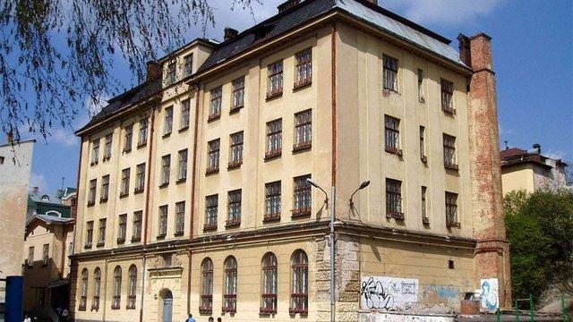Комісія ЛОР відмовилась передати Центру опіки сиріт будівлю колишнього інтернату