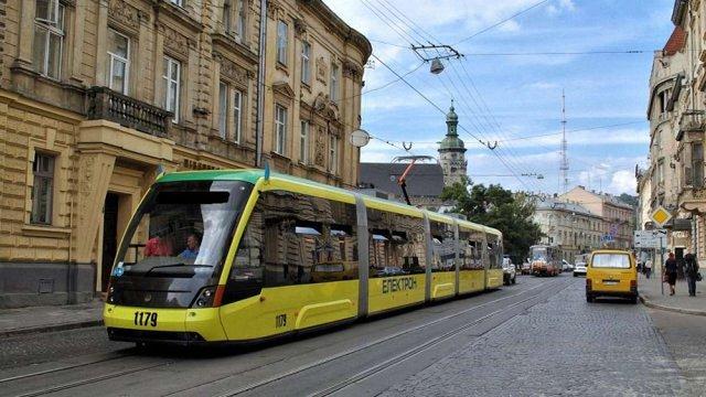 На Водохреща трамваї курсуватимуть за зміненими маршрутами