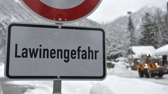 Троє лижників загинули під час сходження лавини в Австрії