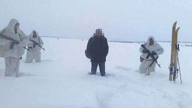 Українець обморозив ноги, втікаючи з-під домашнього арешту до Росії