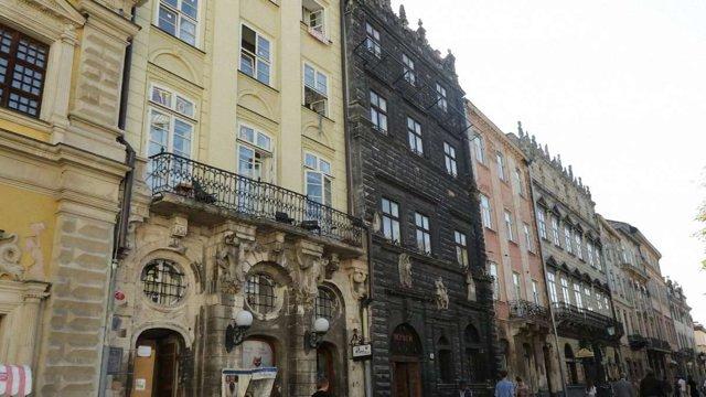 Фасади будинків в історичному ареалі Львова перевірять на аварійність