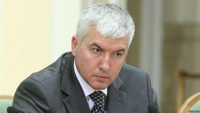 ГПУ оголосила підозру у держзраді міністру оборони часів Януковича