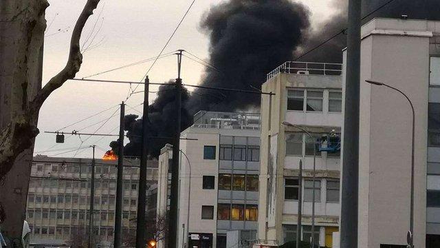 В університеті у французькому Ліоні сталася низка вибухів, є постраждалі