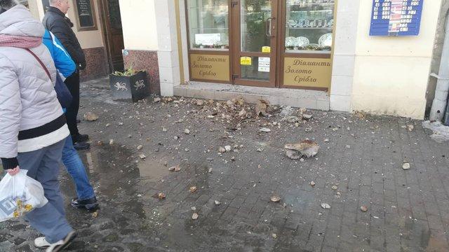 На просп. Шевченка у  Львові обвалилась частина аварійного балкону