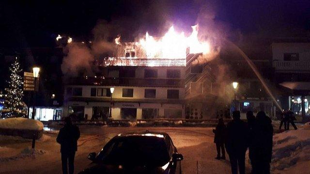 На престижному курорті Куршевель у Франції сталася велика пожежа, є жертви