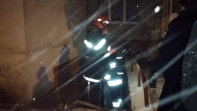 У підвалі львівської багатоповерхівки стався вибух