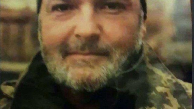 ЗМІ оприлюднили прізвище вояка, що загинув під час обстрілу на Луганщині