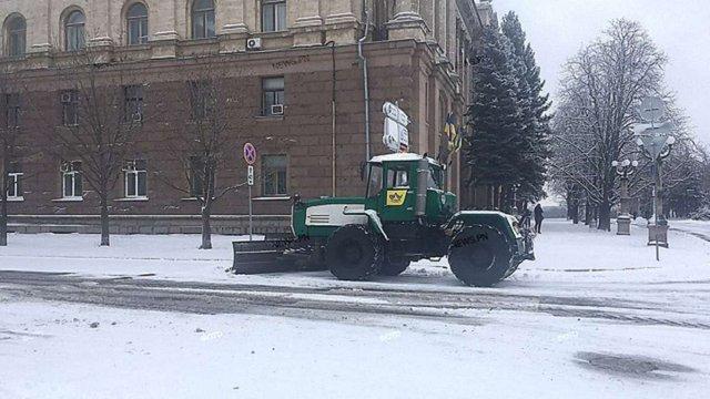 Схід, південь та центр України потерпають від потужних циклонів