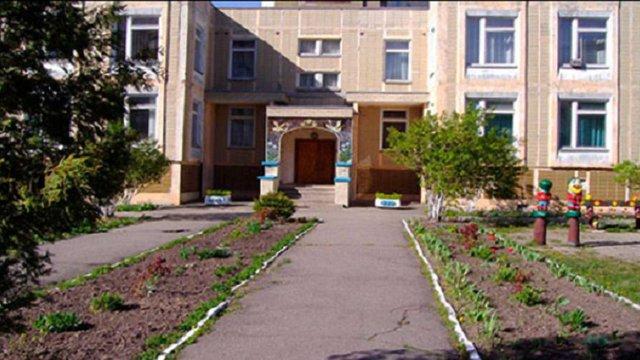 У львівському дитсадку отруїлися 10 дітей ясельної групи
