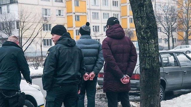 У Києві злочинець випадково вистрілив в око чотирирічній дитині