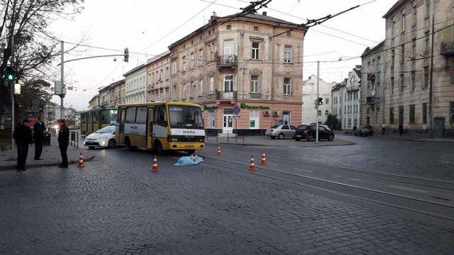 Львівський суд виніс умовний вирок водію маршрутки, який на смерть збив жінку