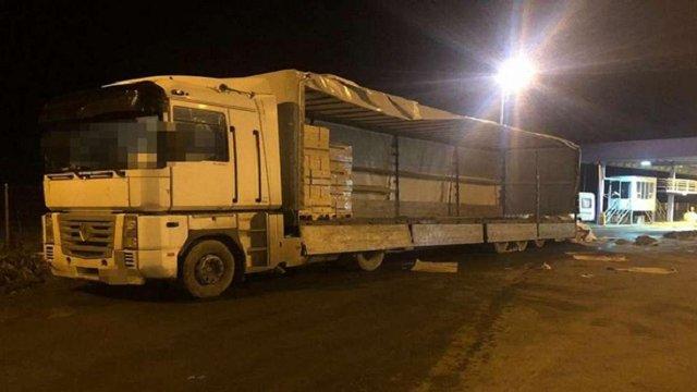 У Румунії затримали вантажівку з цигарками на 450 тис. доларів, що їхала з України