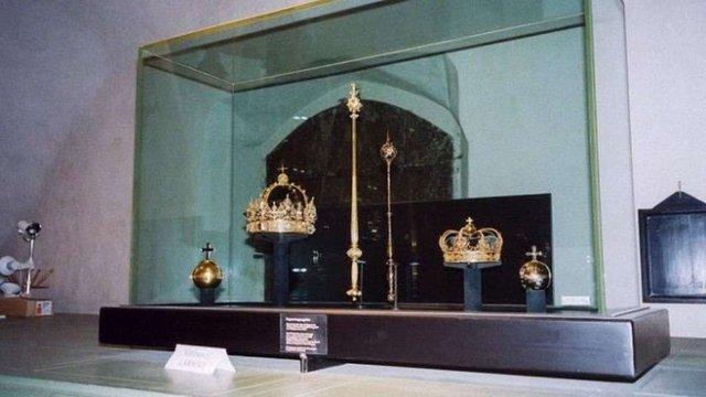 У Швеції вкрадені королівські регалії вартістю 7,2 млн доларів знайшли в сміттєвому баку