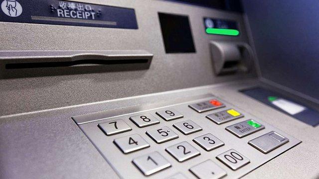 На Волині троє чоловіків викрали з банкомата 600 тис. грн