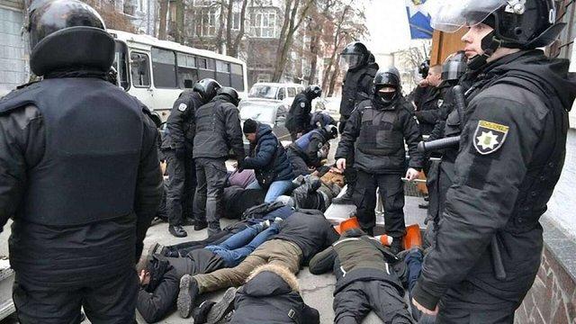Арсен Аваков заявив про «інформаційні атаки» на МВС через побиття протестувальників у Києві
