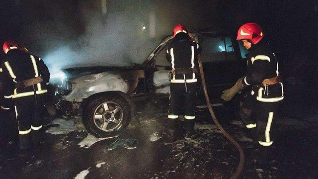 У Києві невідомі спалили автівку депутатові міськради від «Свободи»