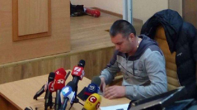 Суд арештував поліцейського, що бив ногами члена С14 біля Подільського райвідділу