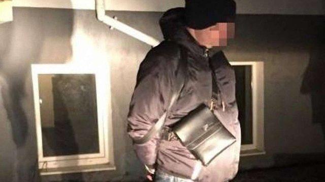 У Львові на хабарі в $1200 затримали інспектора патрульної поліції
