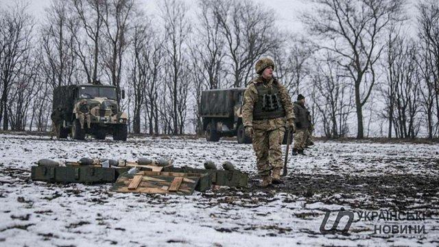 У зоні бойових дій на Донбасі загинув український вояк, ще один отримав поранення