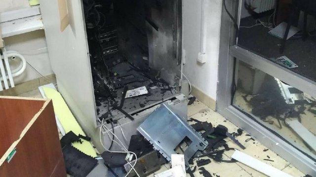 У Харкові зловмисники підірвали два банкомати і викрали з них готівку