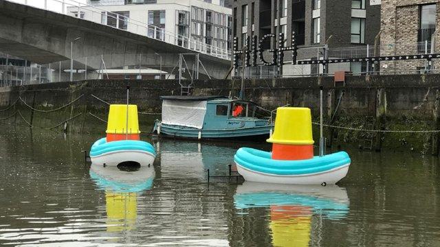 Компанія IKEA розробила човни для очищення річок від сміття