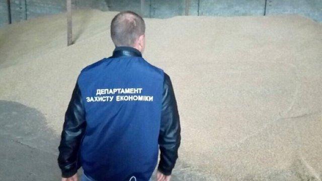На Львівщині правоохоронці викрили підприємця, який привласнив 36 тонн пшениці