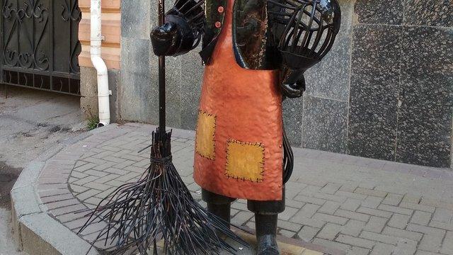 У Львові стартував конкурс на найкращого двірника