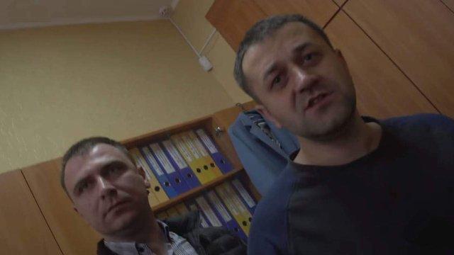 Журналістів антикорупційної програми «Схеми» побили у селищній раді на Київщині