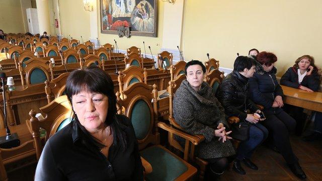 Сесію Львівської міськради скасували через захоплення стоматологами зали засідань