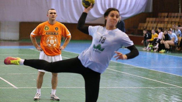 Львівські нацгвардійці зіграли у гандбол із львівською «Галичанкою»