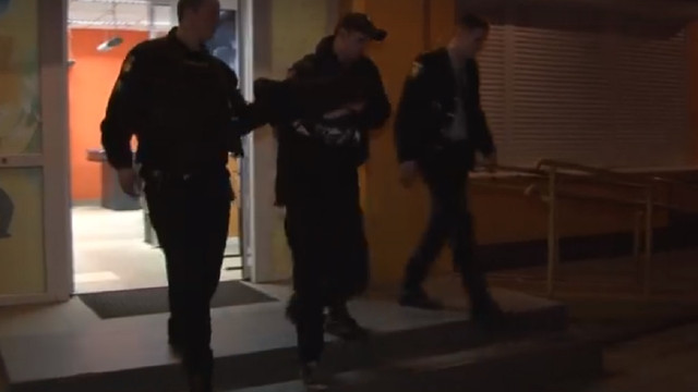 Відвідувачі магазину у Львові затримали грабіжника та передали поліцейським