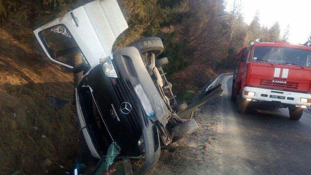 У ранковій ДТП на Сколівщині загинула пасажирка мікроавтобуса з Чернівецької області