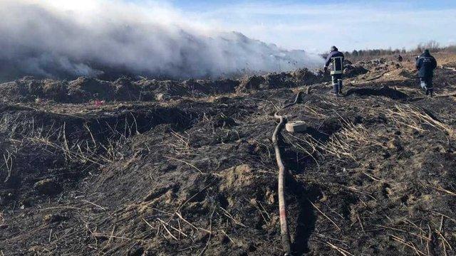 На сміттєзвалищі біля Новояворівська виникла масштабна пожежа