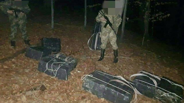 Поблизу кордону з Румунією прикордонники зі стріляниною затримували контрабандистів