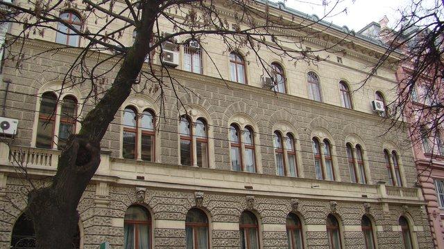 Через виплату субсидій готівкою у відділеннях «Ощадбанку» на Львівщині виникли черги